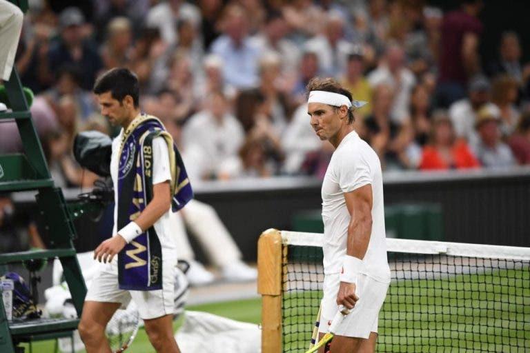 PAROU! Meia-final de Wimbledon é suspensa com Djokovic na liderança