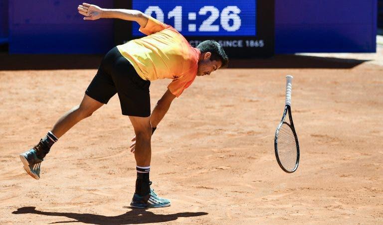 Jogador insulta treinador de Federer e é expulso a meio do torneio de Gstaad