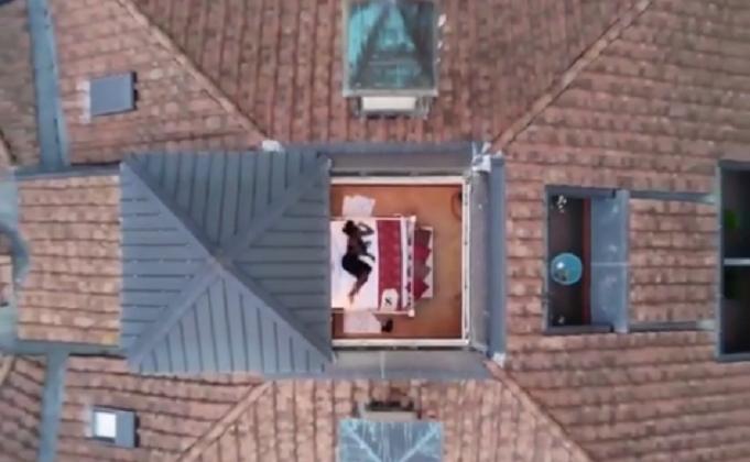 [VÍDEO] Serena Williams revela férias de sonho em quarto com o teto transparente