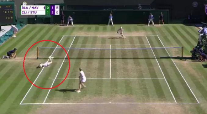 [VÍDEO] Épico! Stubbs e Clijsters vencem ponto incrível na final de veteranas