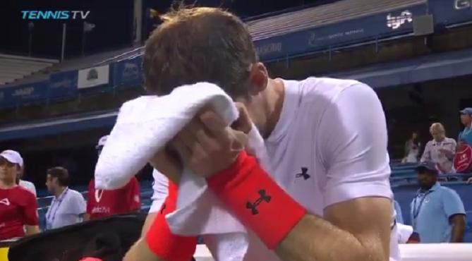 [VÍDEO] Murray fecha encontro depois das 3 da manhã e acaba… a chorar