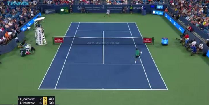 [VÍDEO] Dimitrov mostra como se salva… um set point