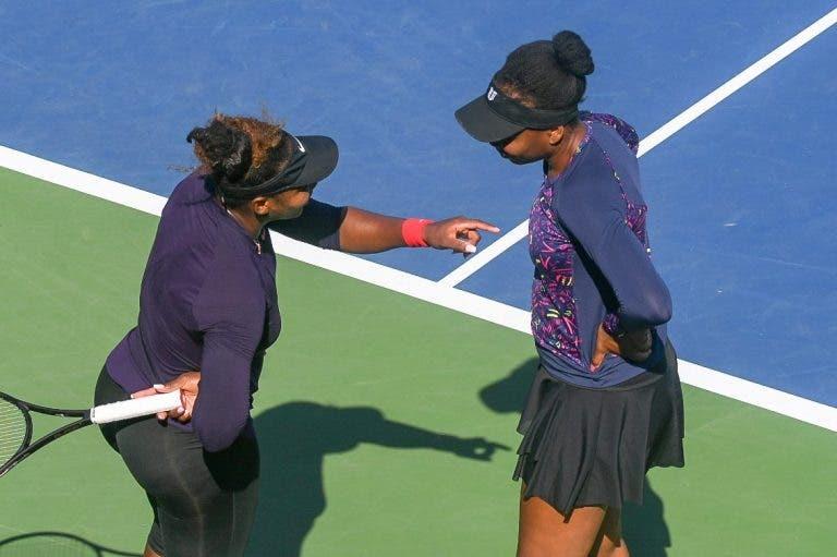 [VÍDEO] Serena e Venus treinam juntas antes de se defrontarem