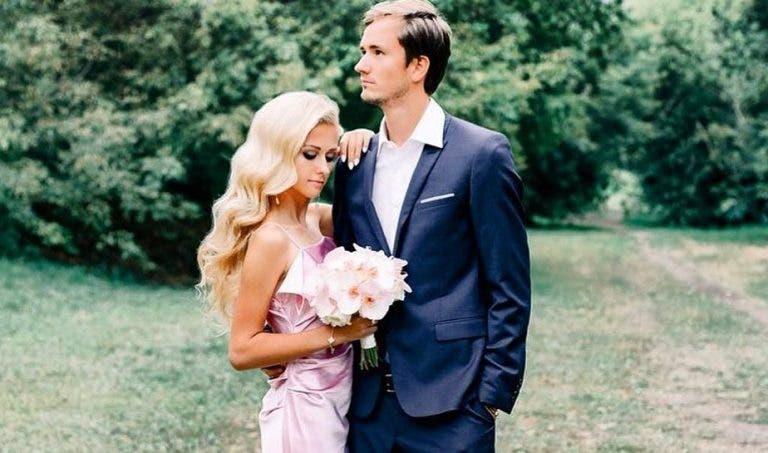 Daniil Medvedev passou para o clube dos casados