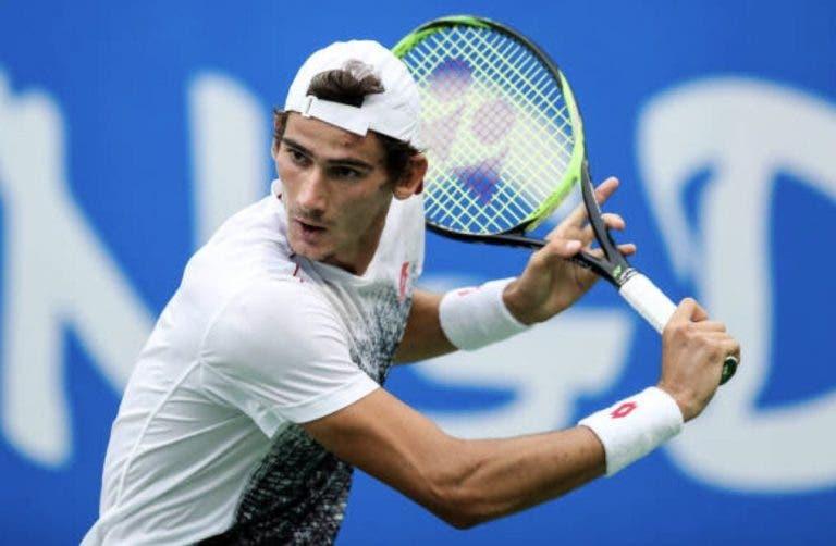 Lloyd Harris: o jovem sul-africano que conquistou a primeira vitória ATP e que deverá vir a Portugal… em outubro