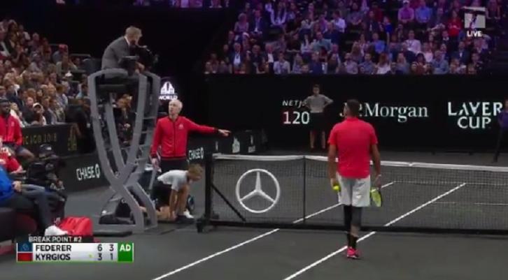 [VÍDEO] McEnroe atira-se ao árbitro num momento a fazer lembrar aos anos 80