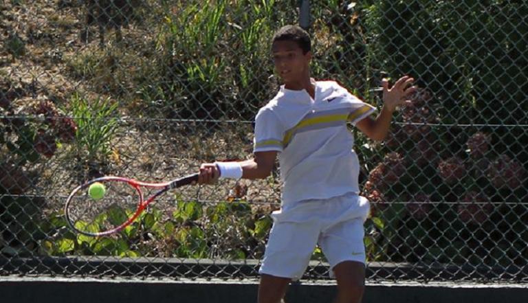 Pedro Araújo, 16 anos, soma mais um ponto ATP e Tiago Cação também avança