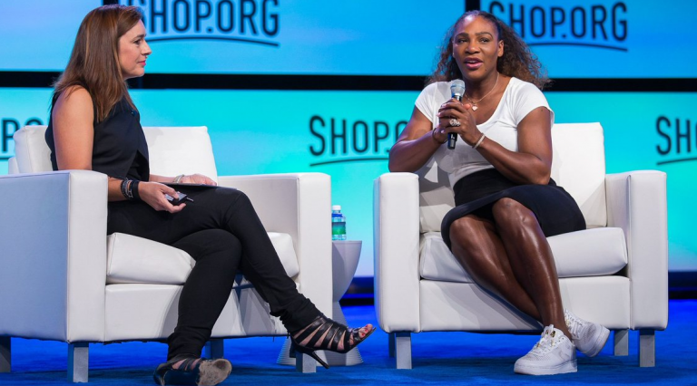 Serena não pede desculpas e insiste: «Só podemos fazer metade do que os homens fazem»