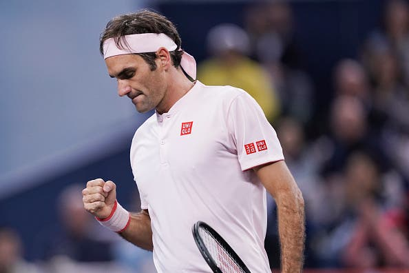 Que encontro! Federer faz melhor exibição da semana e derrota Nishikori rumo às 'meias' em Xangai