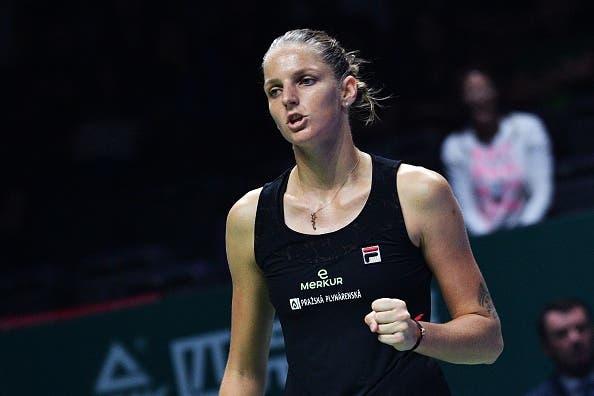 Pliskova despacha a campeã em título Wozniacki na 1.ª jornada das WTA Finals