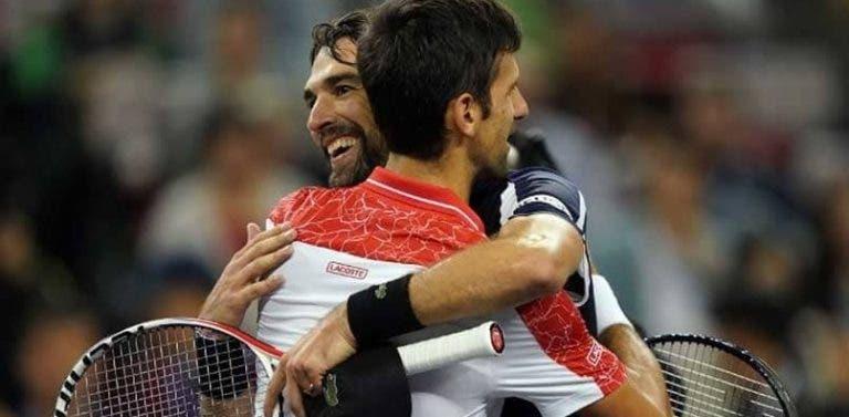 Djokovic igualou diante de Chardy um impressionante recorde de Nadal