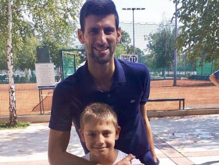 Djokovic apoia jovem compatriota que se tornou viral nas redes sociais