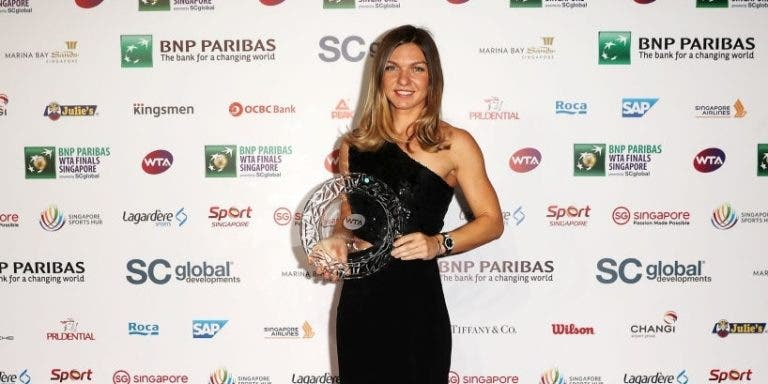 Simona Halep afinal foi a Singapura… receber o prémio de Jogadora do Ano