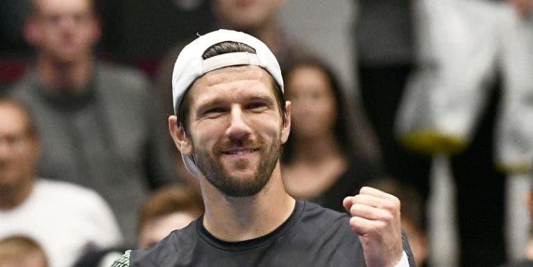 'Renascido' Melzer (agora fora do top 400) elimina Raonic em Viena