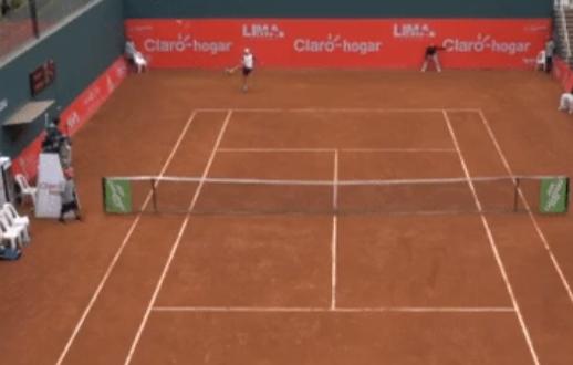 [VÍDEO] Insólito. Olivo atira raquete para fora do court… ao pontapé