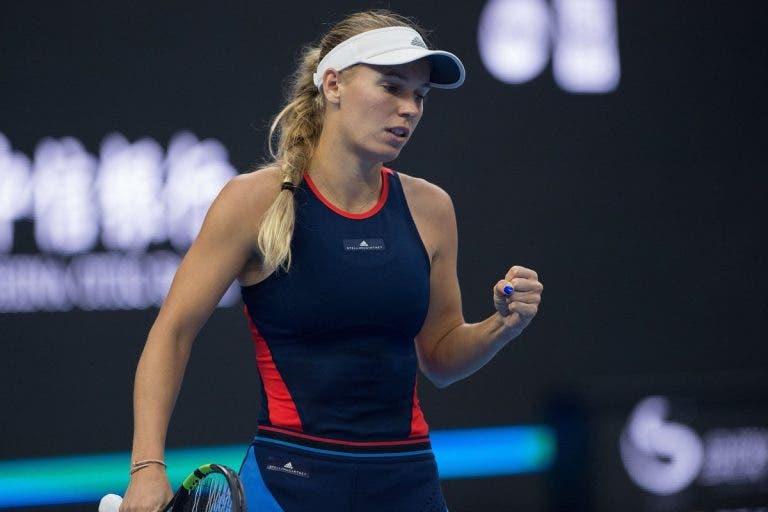 Wozniacki desembaraça-se da revelação do torneio de Pequim