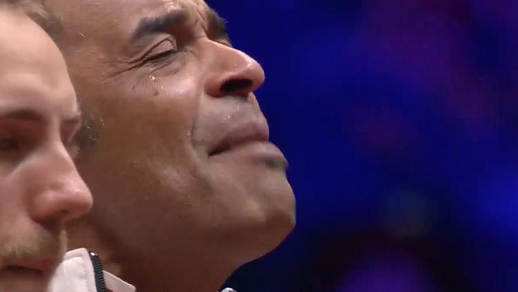 [VÍDEO] Yannick Noah não resiste e chora ao ouvir o hino francês no dia 2 da Taça Davis