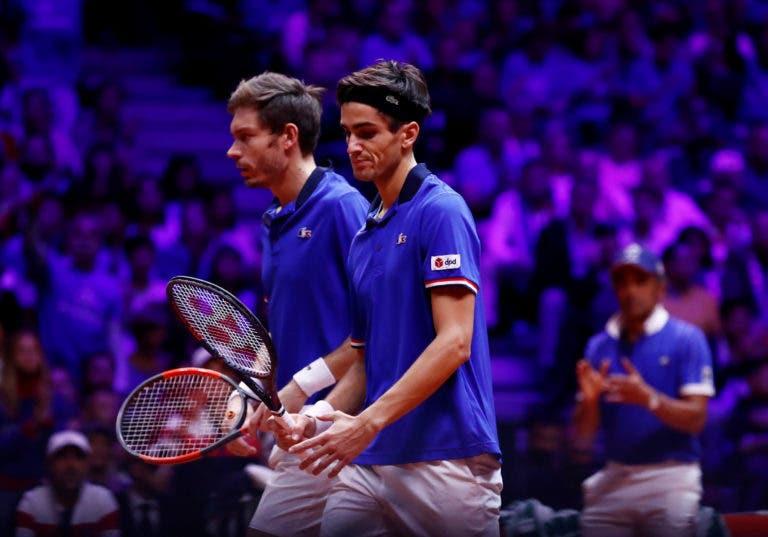 [VÍDEO] França vai liderando o encontro de pares da Taça Davis com respostas deste nível