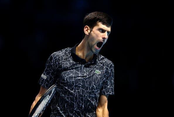Djokovic despacha Zverev e está à porta das meias-finais em Londres