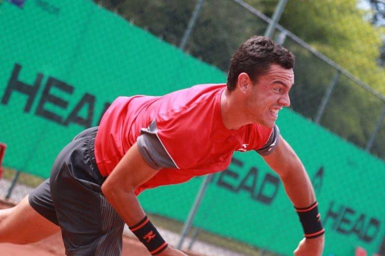 Gonçalo Oliveira estreia-se diante de ex-número quatro mundial de juniores no Japão