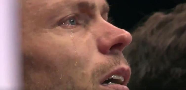 [VÍDEO] Mahut desfaz-se em lágrimas ao ouvir o hino na última final da Taça Davis