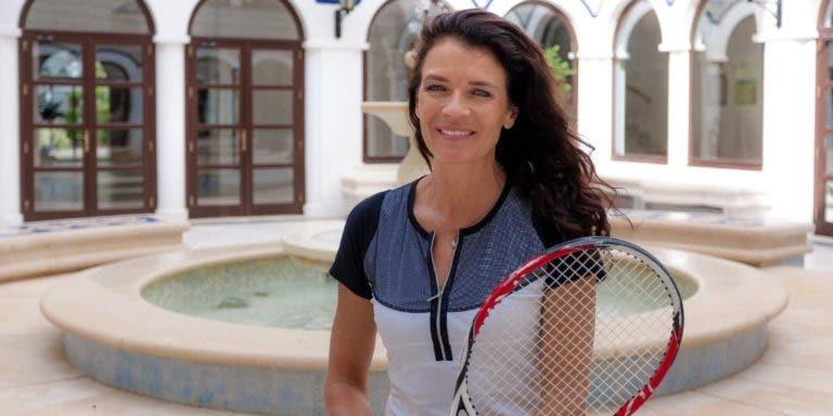 Annabel Croft: «Djokovic é favorito na Austrália, pelo que fez este ano»