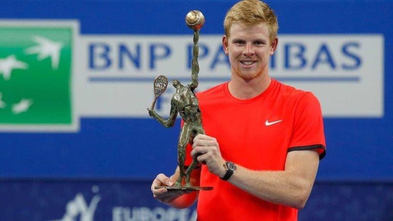 Kyle Edmund eleito melhor tenista do ano pela imprensa britânica