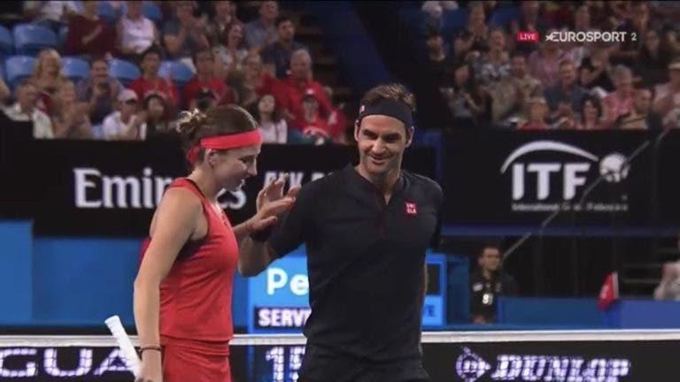 Bencic lembra sonho realizado ao lado de Federer e elogia compatriota