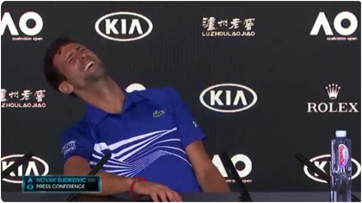 Imitação vencedora de Djokovic arranca gargalhadas aos jornalistas