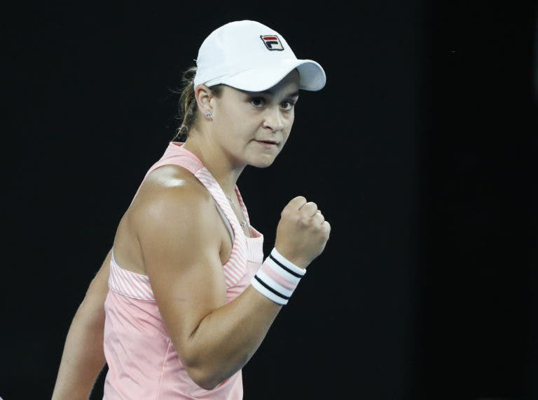 Barty desistiu de pares em vésperas de duelo com Sharapova