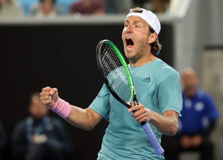 Pouille vence enorme batalha frente a jogador da casa e avança para os 'oitavos' do Australian Open