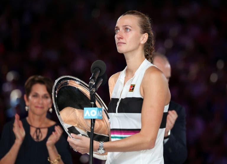 [VÍDEO] O emocionante discurso de Kvitova: «Não sabia se ia conseguir voltar a segurar uma raquete»