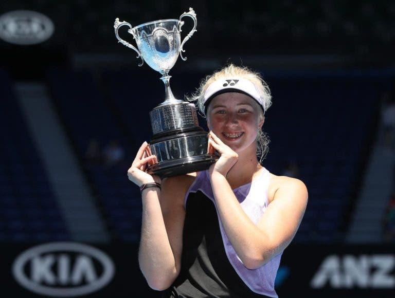 Tauson, considerada a nova Wozniacki, arrasa e vence Open da Austrália de juniores