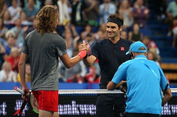 Federer elogia e brinca em relação a Tsitsipas: «Podia ser meu filho!»