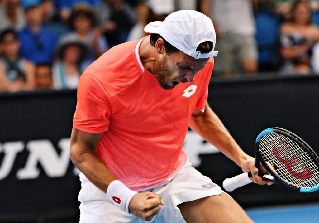 SOMA E SEGUE! João Sousa continua em grande e atinge os quartos de final de pares do Australian Open
