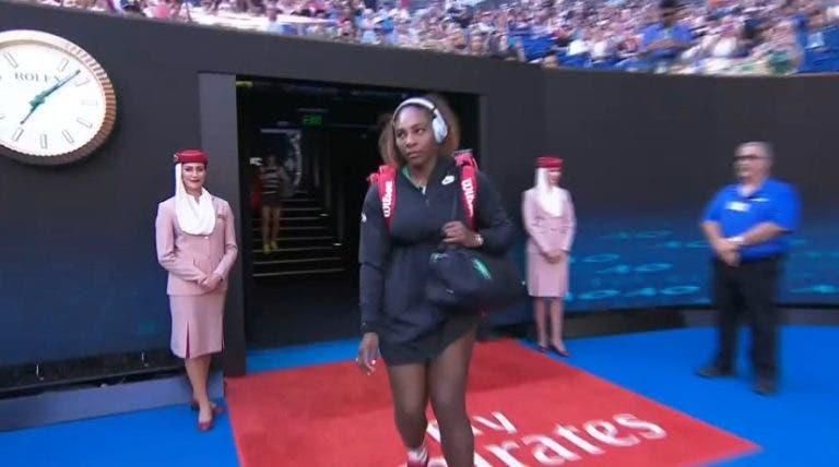 """Speaker anuncia """"número um"""" e Serena entra em court"""
