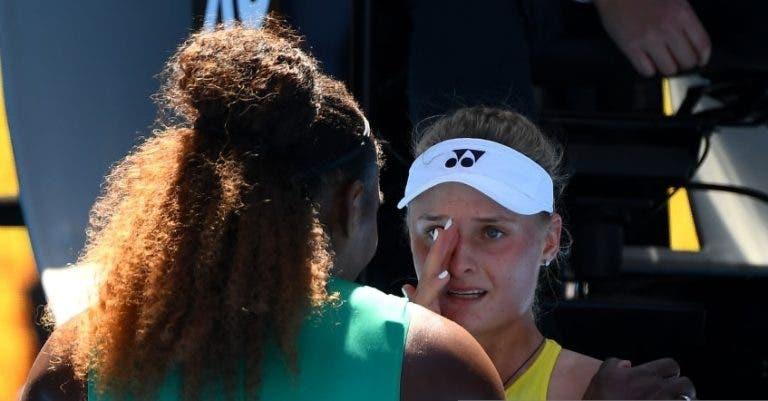 [VÍDEO] Serena consolou rival em lágrimas após encontro: «Não chores, estiveste incrível»