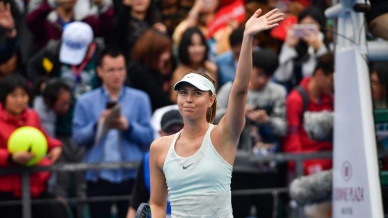 Sharapova beneficia de desistência de Wang e avança em Shenzhen