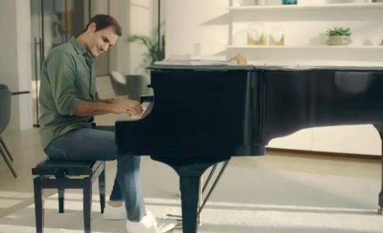 O desejo de Federer: «Quero tocar mais piano porque quero surpreender a Mirka e tocar uma música para ela»