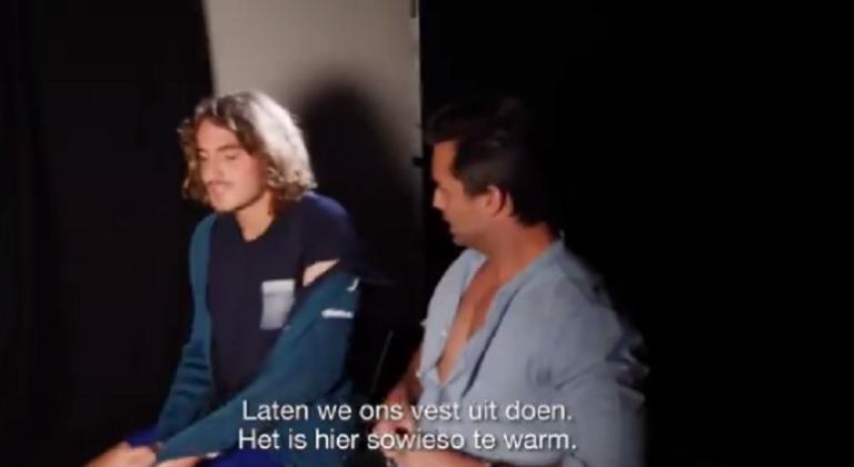 [VÍDEO] Tsitsipas disse gostar mais de si nu e um jornalista em Roterdão tentou despi-lo