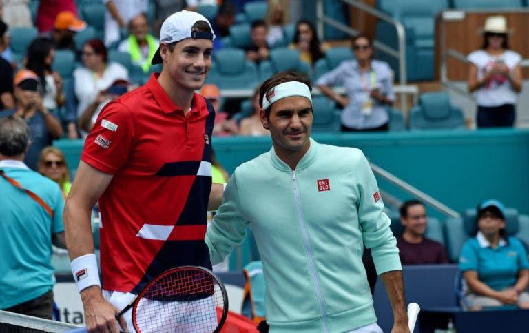 Os elogios e o pedido de Isner para Federer: «Temos tanta sorte de te ter, nunca te retires»