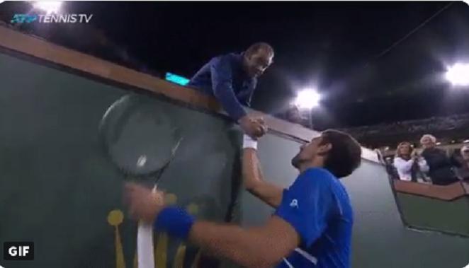 [VÍDEO] Djokovic foi surpreendido pelo seu ídolo Sampras nas bancadas de Indian Wells