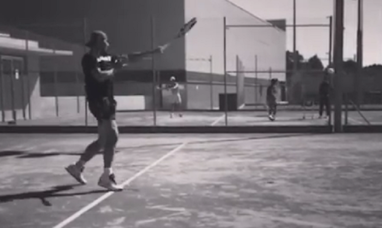 [VÍDEO] Dez dias depois de desistir em Indian Wells, Nadal já treina em terra batida