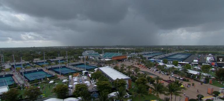 Início de jornada em Miami foi adiado devido à chuva