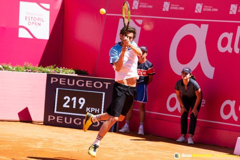 Pedro Sousa desiste do qualifying de Roland Garros e Domingues já conhece sorteio