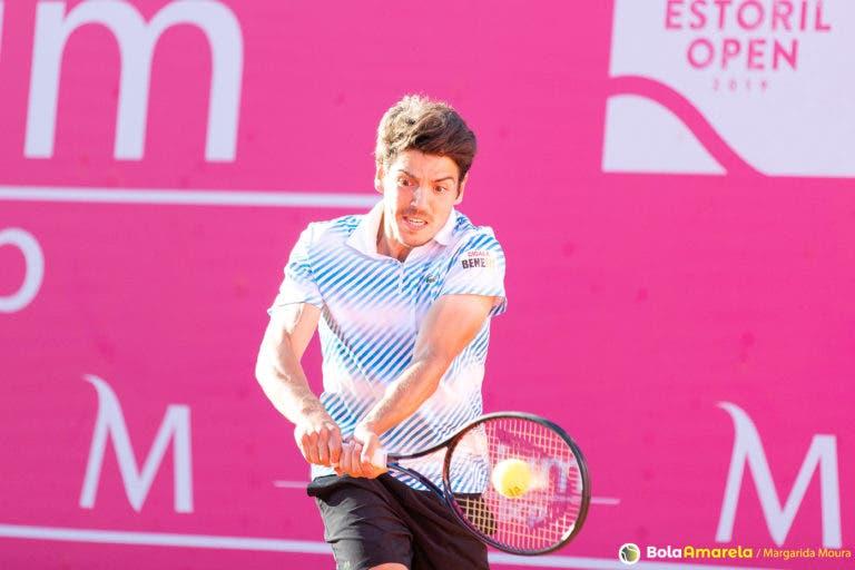 João Domingues não aproveita vantagem no 2.º set e perde para Davidovich em Roland Garros