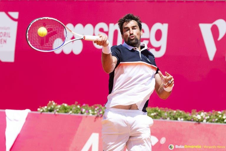 Chardy vence Carreno-Busta e está nos 'oitavos' do Estoril Open