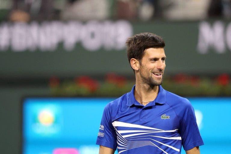 Djokovic mostra as suas habilidades… a tricotar