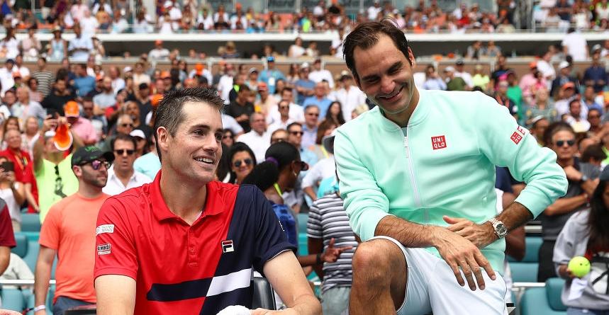 Isner elogia Federer: «Vê-lo a jogar tão bem aos 37 anos ajuda-me a continuar a competir»