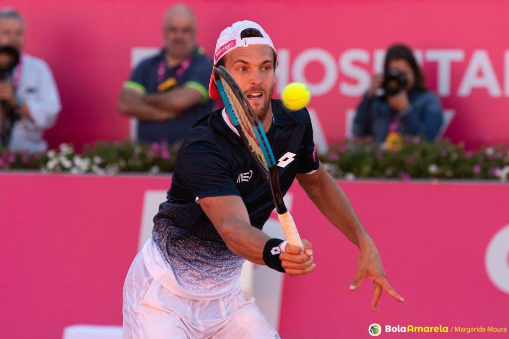 Sousa joga pares em Paris com um ex-top 3 mundial